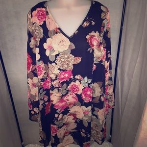 Beautiful floral tunic by Elan